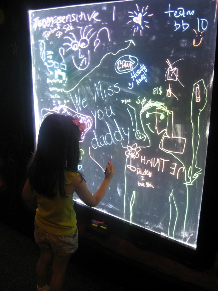 Crayola Factory Doodle in the Dark