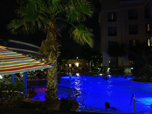 Courtyard Marriott San Antonio Pool Night