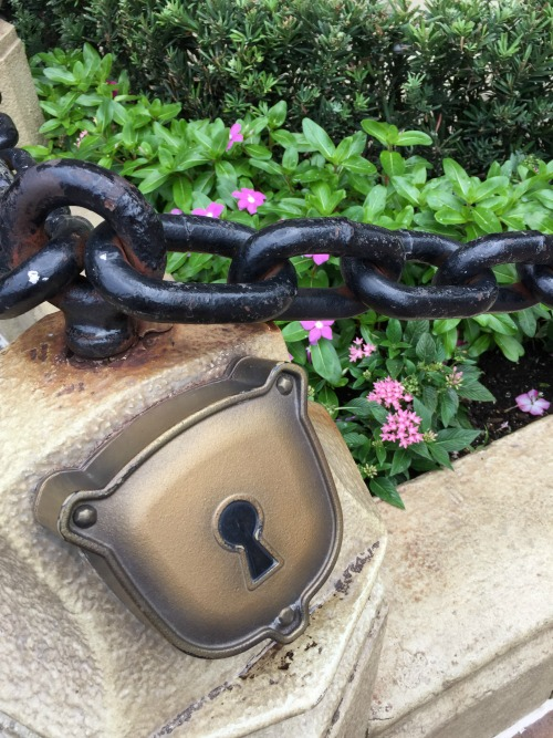 Sorcerers of the Magic Kingdom Keyholes