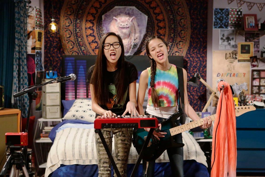 Behind The Scenes New Disney Channel Show Bizaardvark