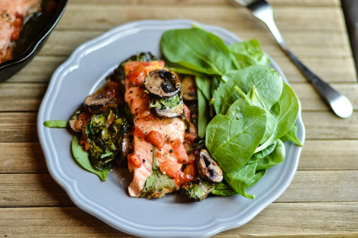 Low Carb Deconstructed Baked Salmon Salad Recipe