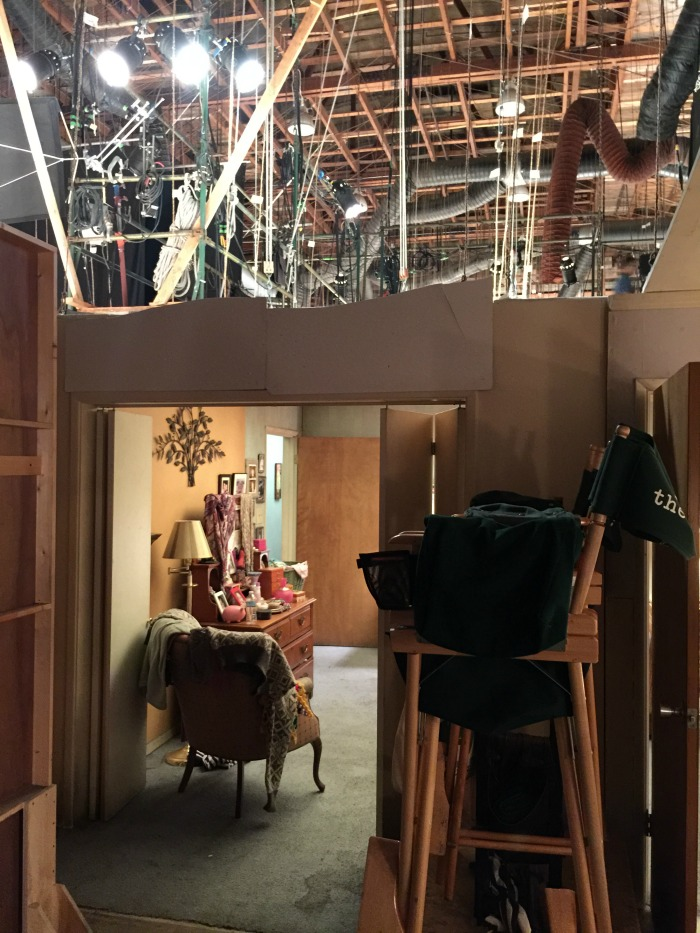 On set behind the scenes of The Middle
