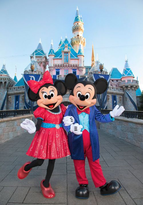 2c1d2bae67318 Disneyland 60th Anniversary - A Diamond Celebration Trip - Finding Debra