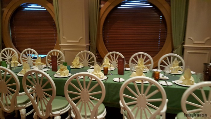 Tiana's Place Tables and Decor