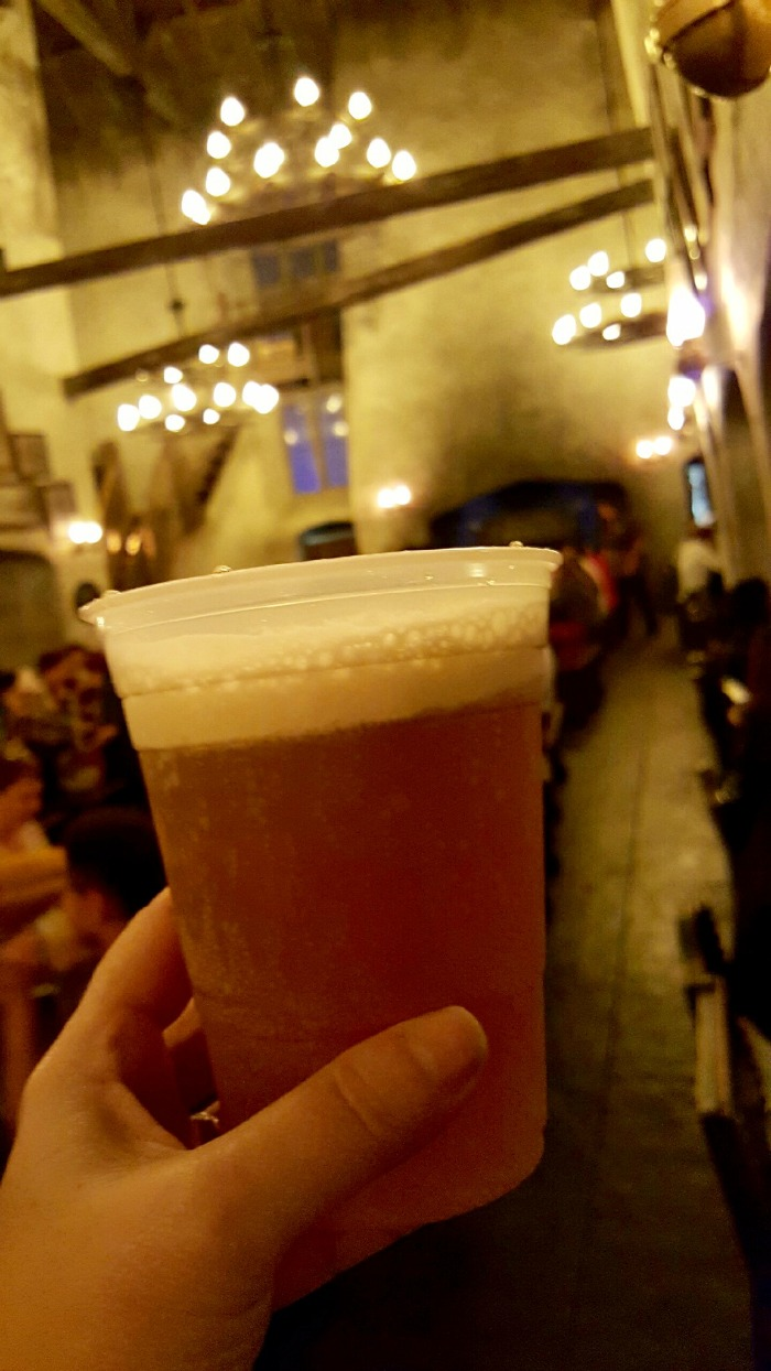 Butterbeer at the Leaky Cauldron