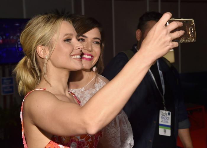 Disney Princesses take selfies