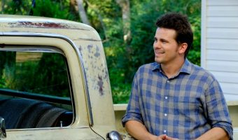 Kevin Probably Saves The World – From Politics to Religion and Jason Ritter Too