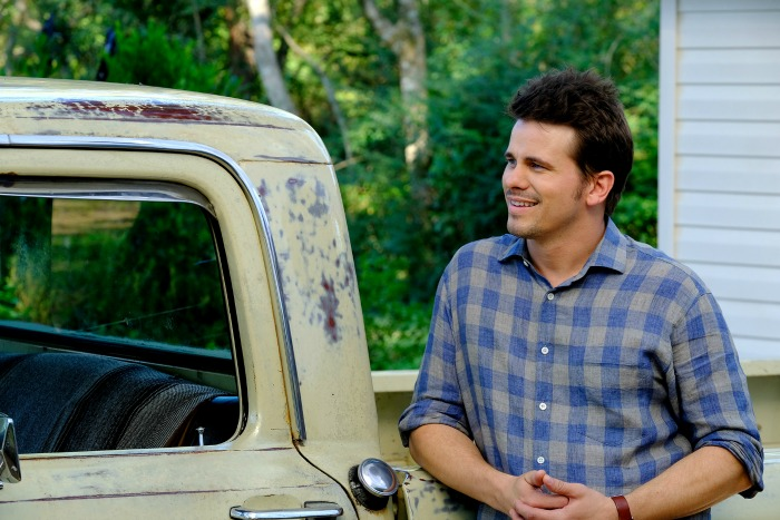 Jason Ritter in Kevin Probably Saves the World