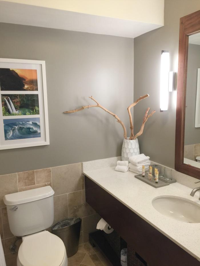 Aqua Kauai Beach Resort Bathrooms