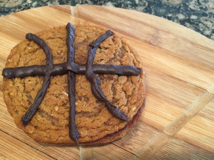 Basketball treats- basketball party ideas for game day fun