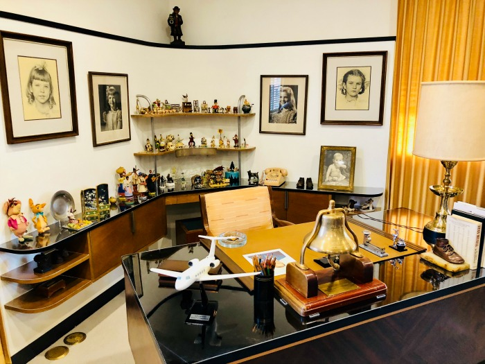 Tour Walt Disney's Office - formal office