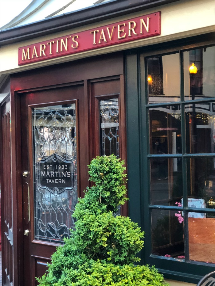 Where to eat in Washington DC - Martin's Tavern