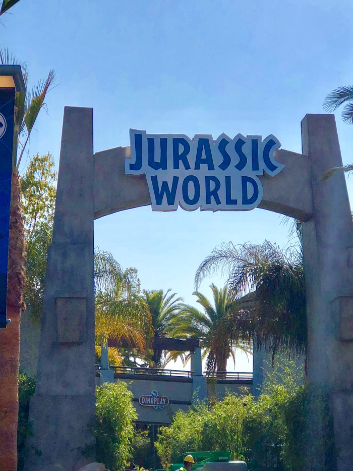 Universal Studios Hollywood Jurassic World ride